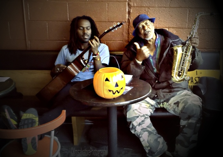 some of the local talent here in Rochester NY this is Matthew Corey and Hosea. they are really popular Here, so i sat and chatted with them awhile, since the weather changed.. normal temps for Nov. 50ish