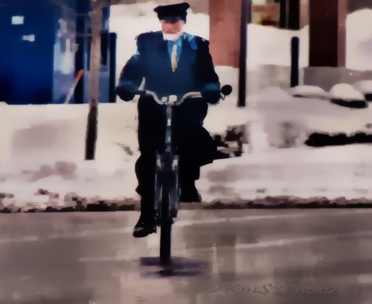 Ma On A Bike_pe_pe
